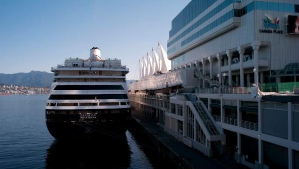 Un navire de croisière à Vancouver.