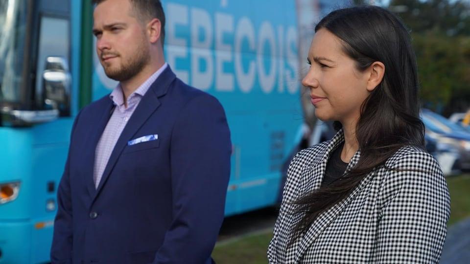 Les candidats bloquistes Maxime Blanchette-Joncas et Kristina Michaud.
