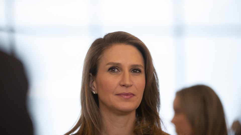 Portait de Caroline Mulroney.