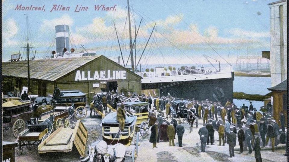 «Montreal, Allan Line Wharf», carte postale vers 1910. Collection BAnQ.