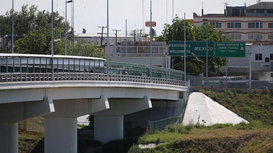 Un pont transfrontalier.