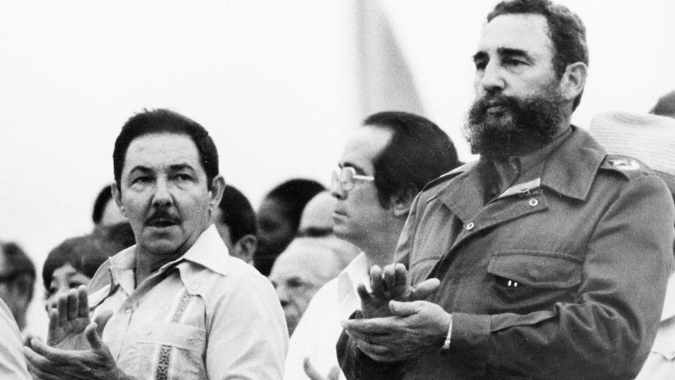 Raul et Fidel Castro.