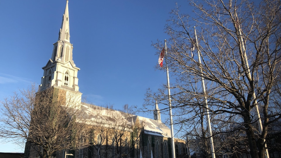 La cathédrale en plein soleil
