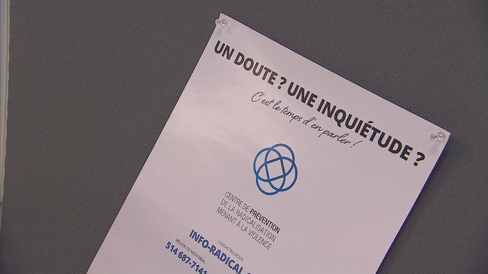 Une affiche sur laquelle on peut lire : « Un doute? Une inquiétude? C'est le temps d'en parler! »
