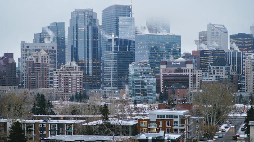 Une vue des tours du centre-ville de Calgary début décembre.