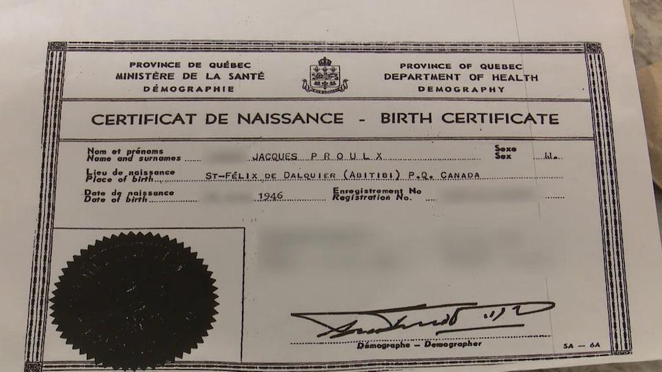 Une photocopie d'un certificat de naissance.