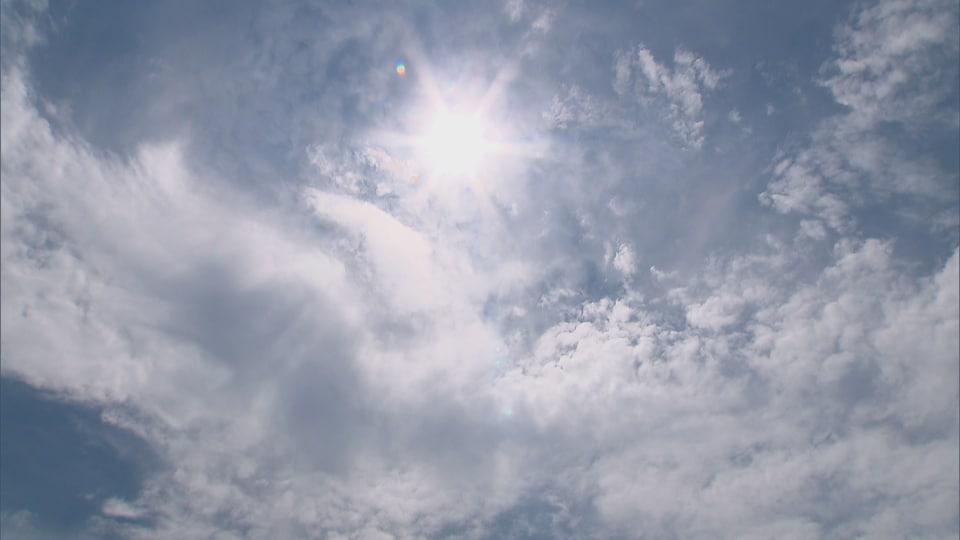 Le ciel de Québec un jour de canicule.