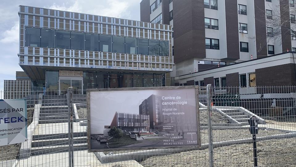 Le chantier du Centre de cancérologie de Rouyn-Noranda.