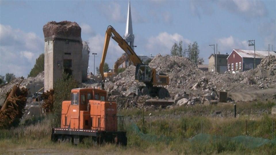 Chantier de démolition de la Gaspésia à Chandler.