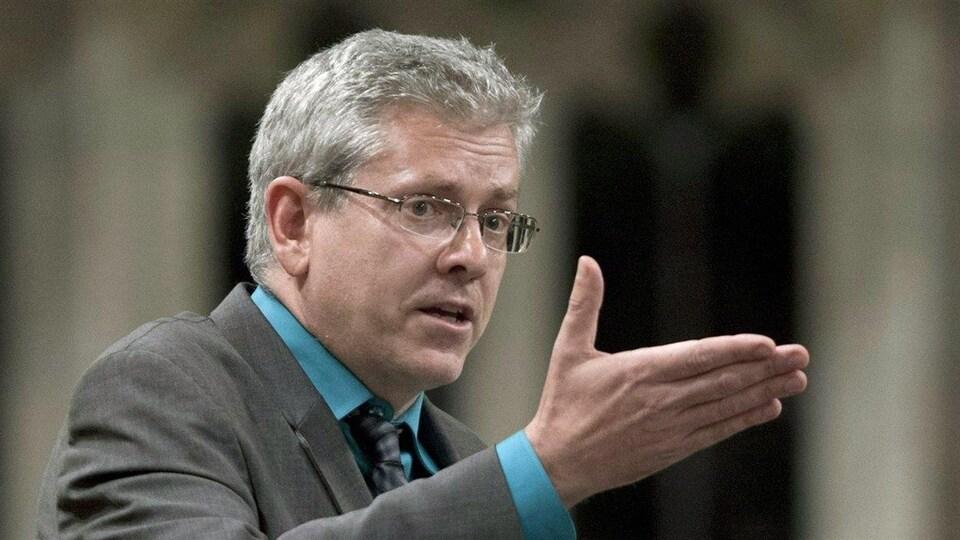 Charlie Angus s'exprime à la Chambre des communes.