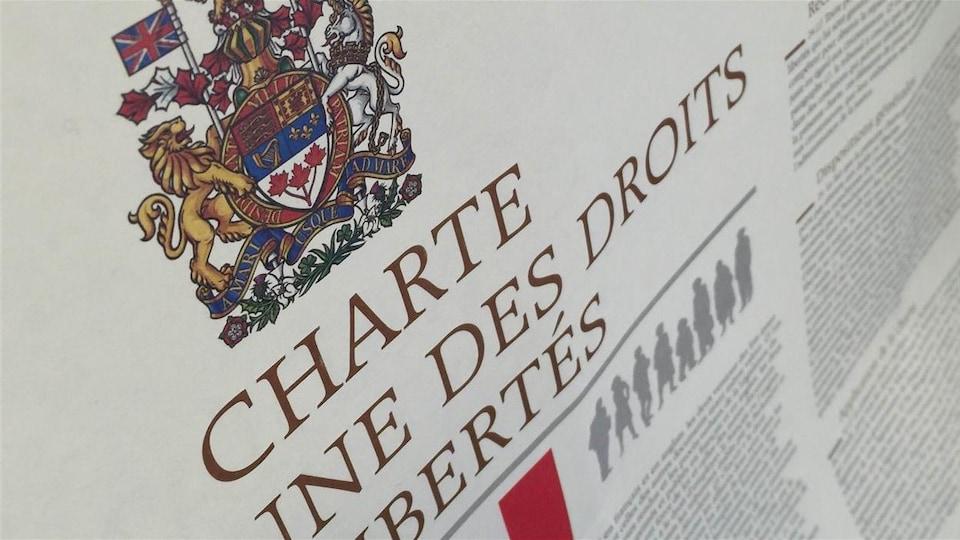 Une copie de la charte canadienne.