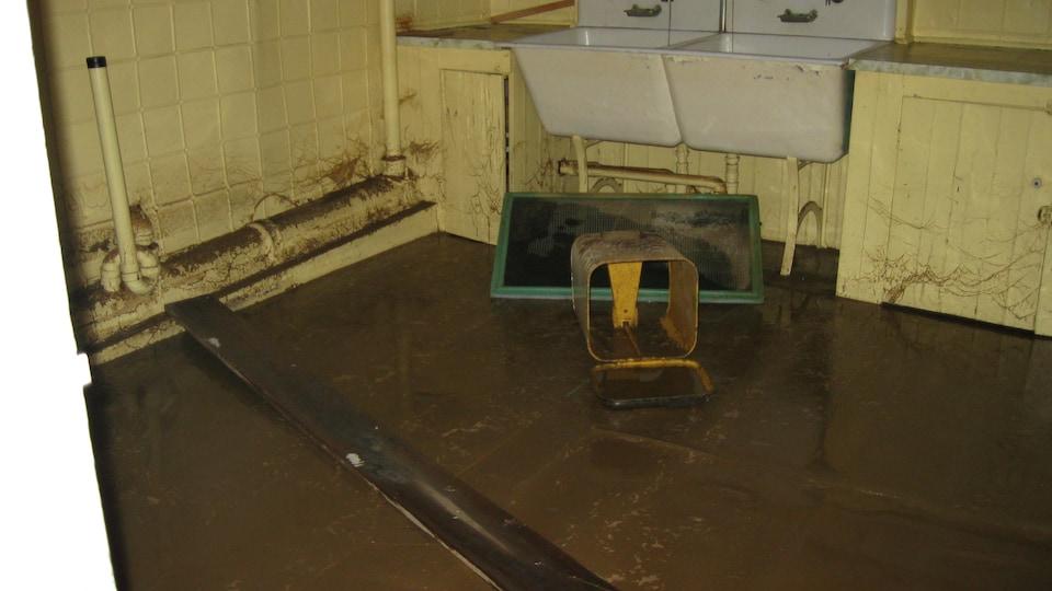 Plus d'un mètre d'eau s'est retrouvée dans le sous-sol du Château Beauce.