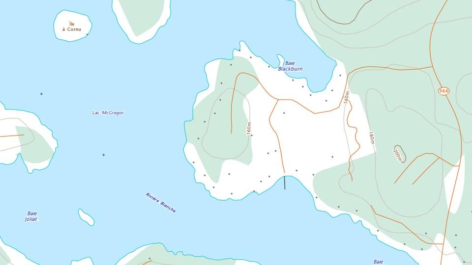 Une courbe d'équidistance indique que l'altitude dans ce secteur avoisine les 160 mètres.