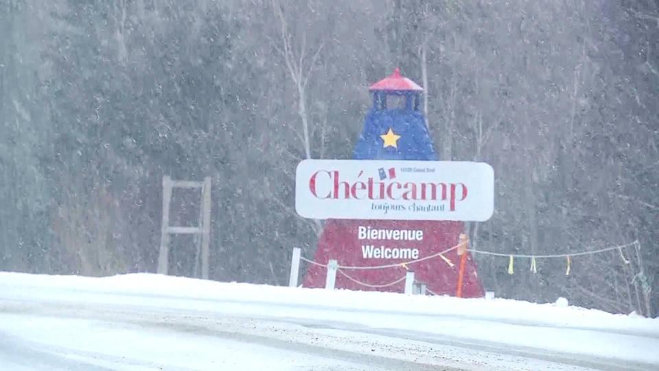 Entrée de Chéticamp sous la neige le 12 janvier 2019.