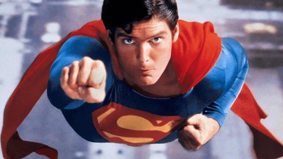 Christopher Reeve dans le rôle de Superman en 1978