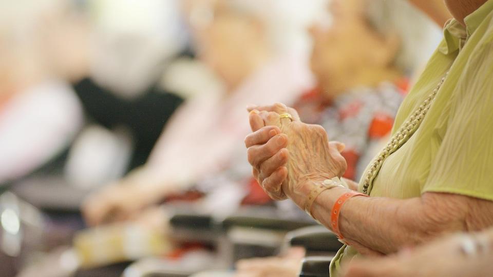 Des aînés en perte d'autonomie dans un CHSLD