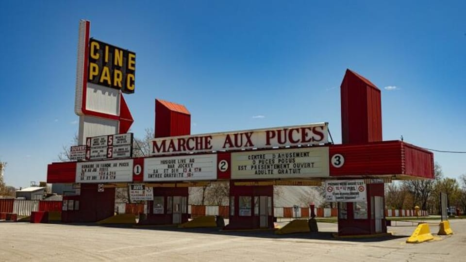 Le ciné-parc et le marché aux puces de Saint-Eustache.