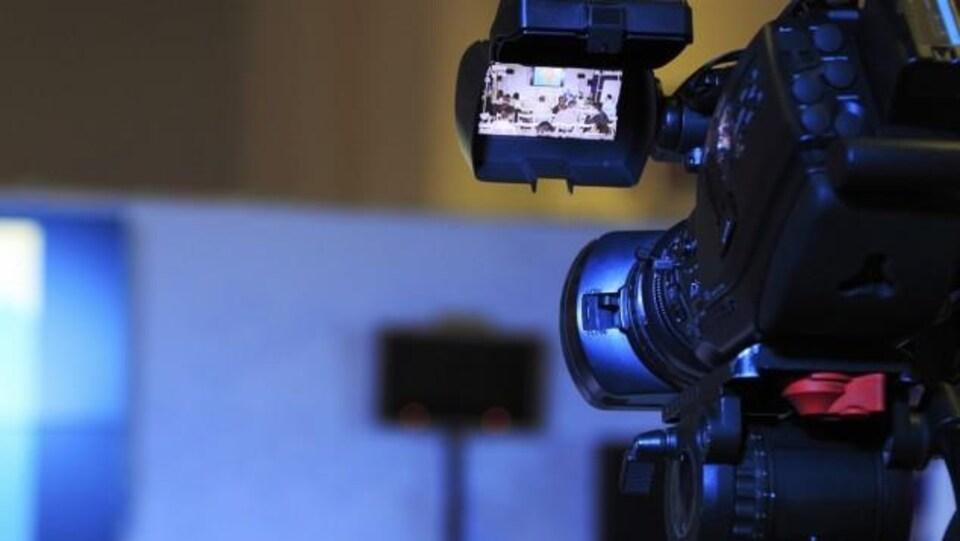 Une caméra lors d'un tournage.