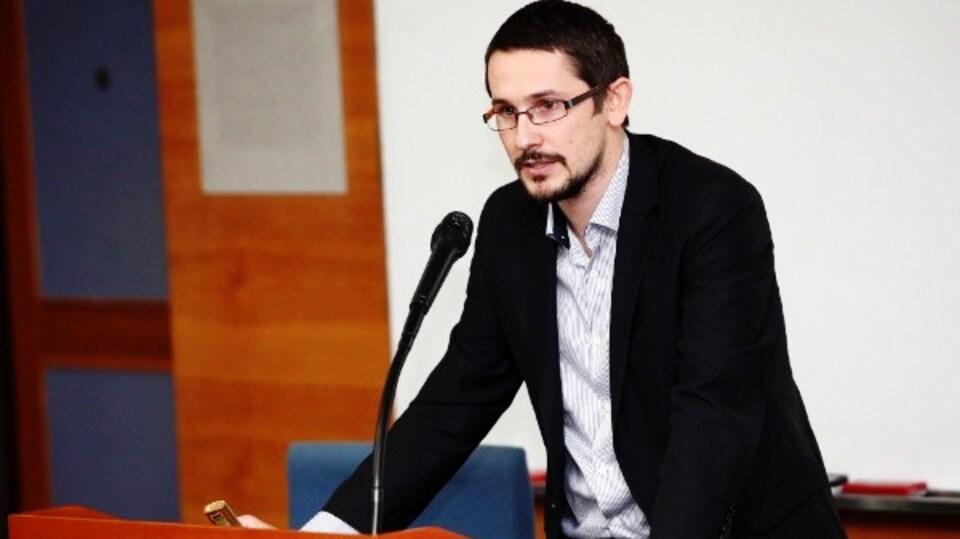 Clément Charles est journaliste à la section française de KBS WORLD Radio