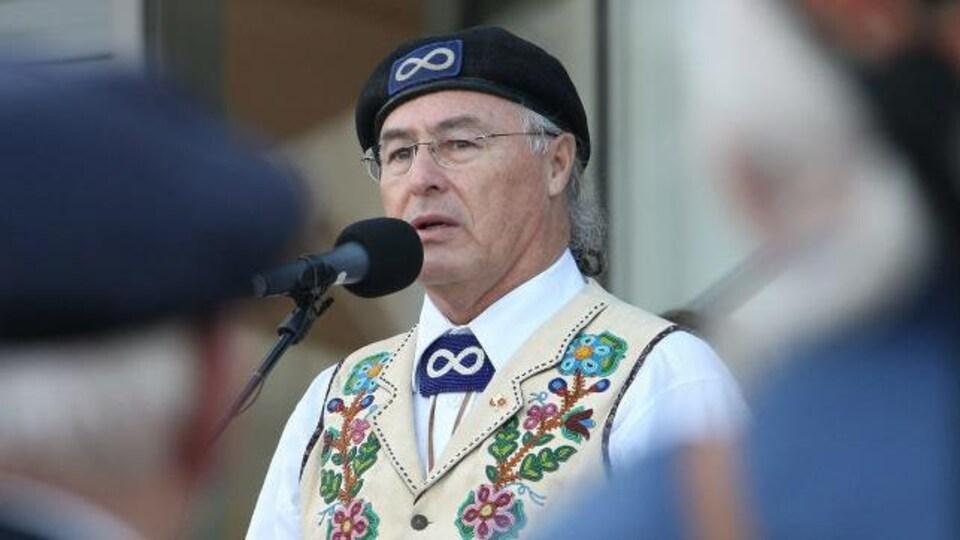 Le président du Ralliement national des Métis, Clem Chartier