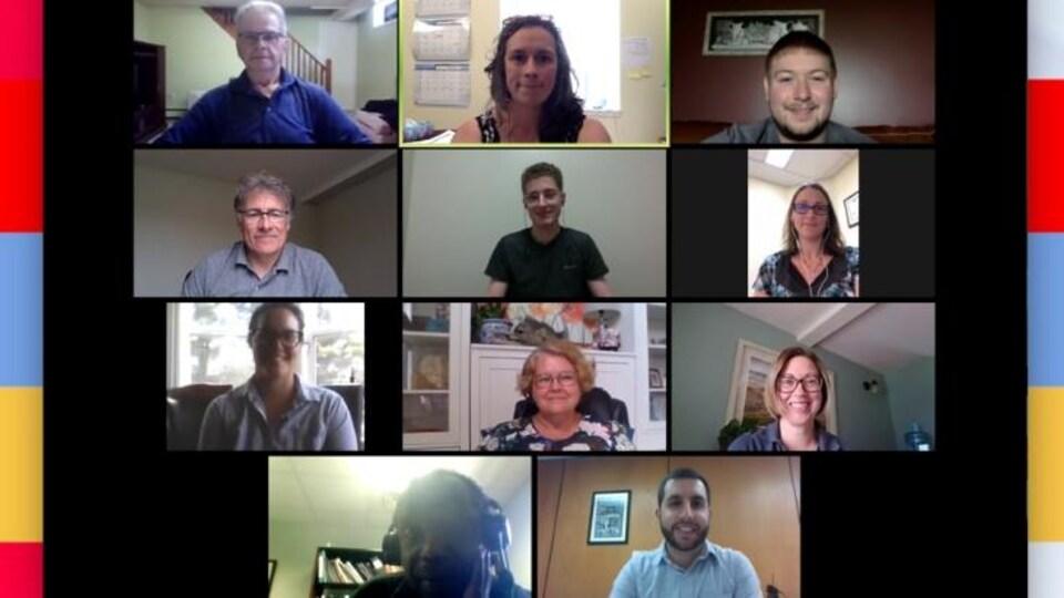 Capture d'écran d'une rencontre en téléconférence réunissant 11 personnes.