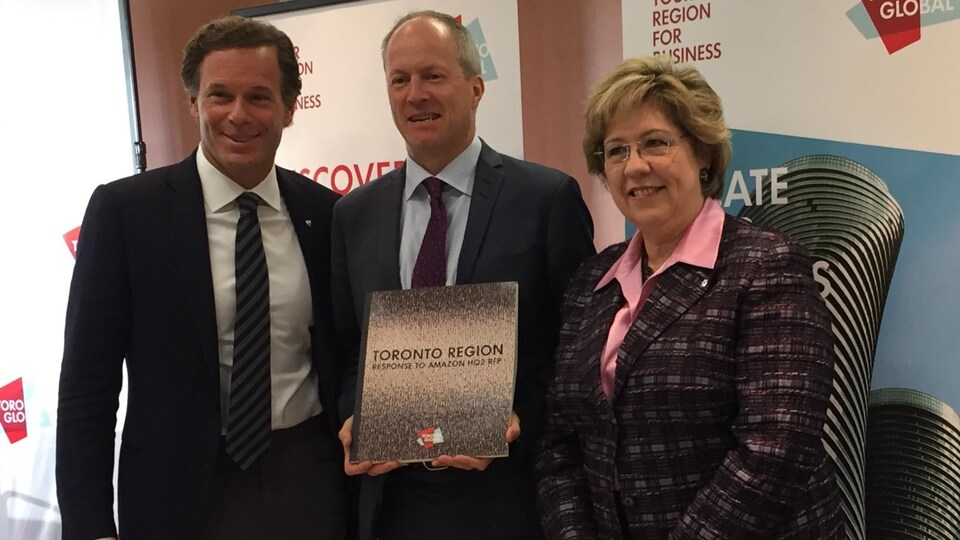 Mark Cohon, Toby Lennox et Janet Ecker l'équipe de Toronto Global
