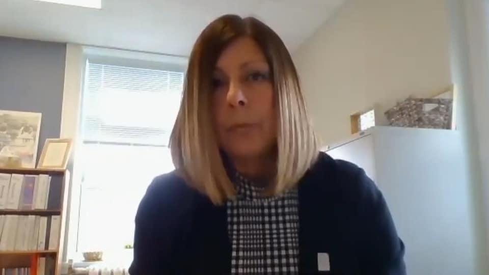 Colette Nadeau en entrevue par visioconférence.