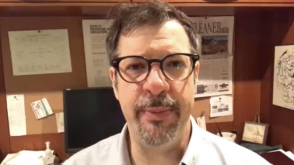 Colin Furness, épidémiologiste et professeur à la Faculté de l'information, Université de Toronto.