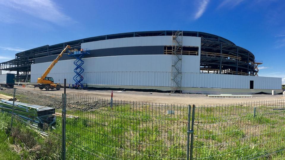 Le colisée de Trois-Rivières en pleine construction