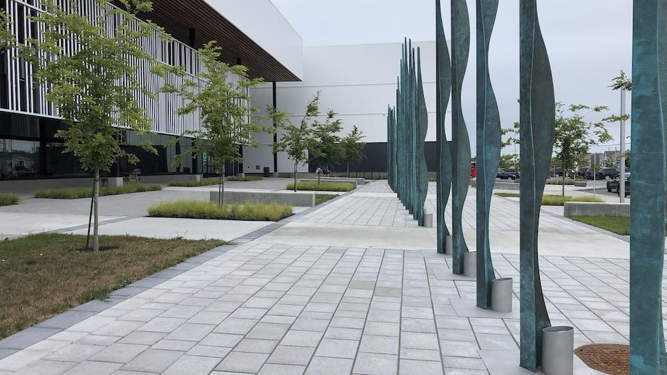 L'entrée principale du Complexe sportif Desjardins, à Rimouski.