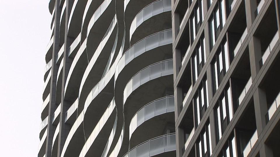 Tours de condominiums au centre-ville de Montréal.