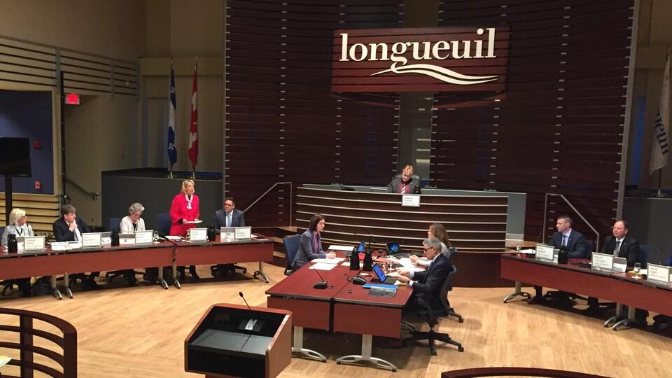 Le conseil municipal de Longueuil a approuvé, le 20 mars 2018, l'acte de vente d'un terrain de 587 000 mètres carrés qui permettra à Molson Coors d'y construire sa nouvelle usine.