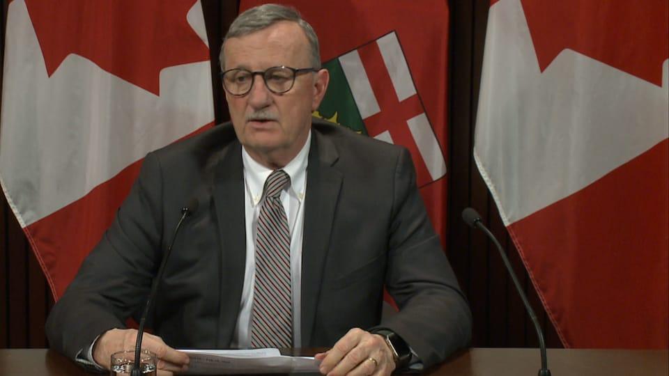 Le médecin hygiéniste en chef de l'Ontario, David Williams.