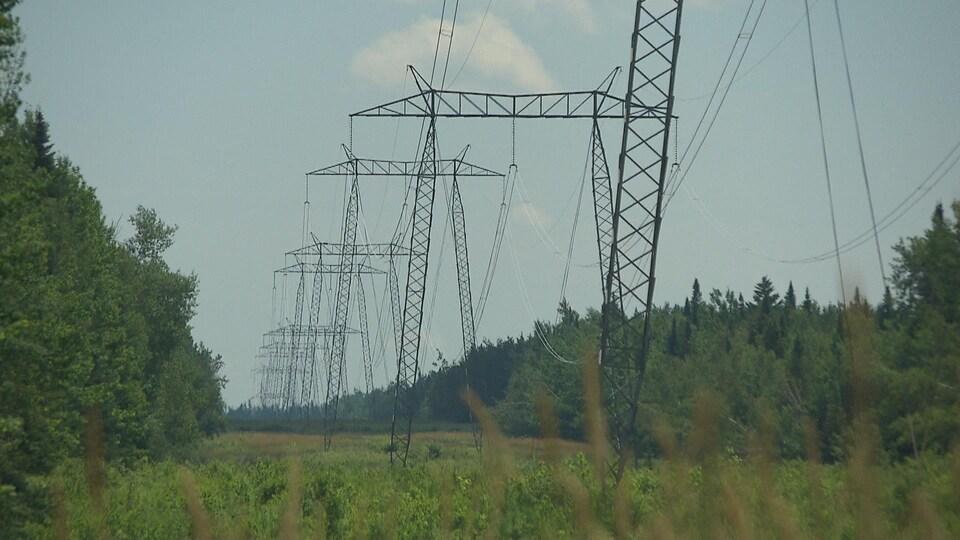 Un corridor de lignes de transmission