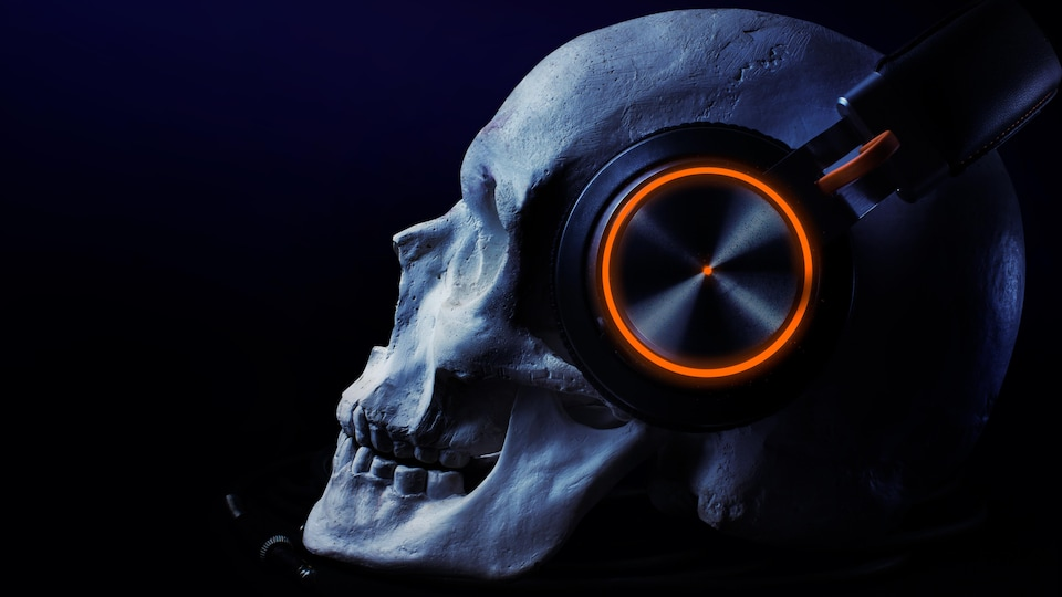 Un crâne et des écouteurs