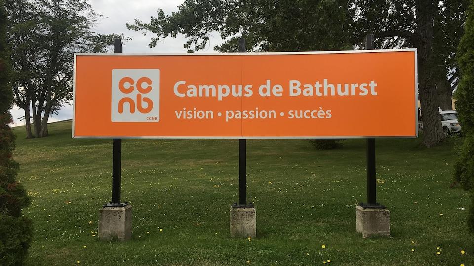 L'affiche du campus.