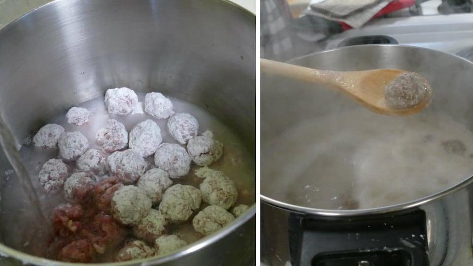 On ajoute de l'eau dans le chaudron de boulettes et on nous montre une boulette cuite.