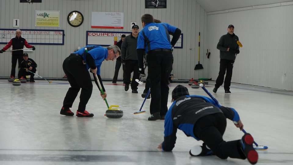 Match de curling.