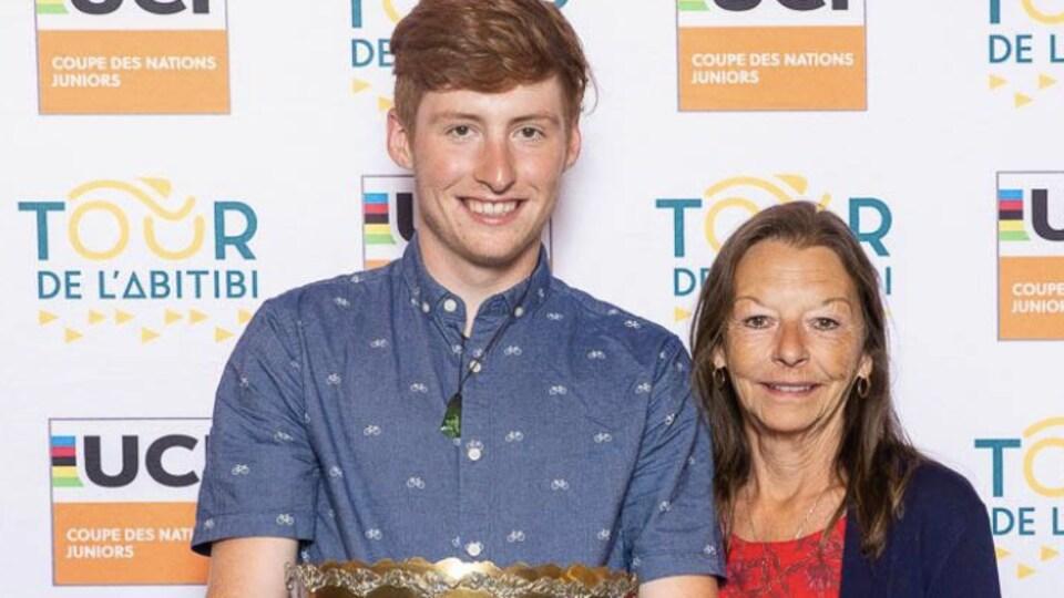 Le cycliste Thomas Berthiaume a reçu le Trophée Ghislain Luneau pour sa combativité lors de l'édition 2019 du Tour de l'Abitibi.
