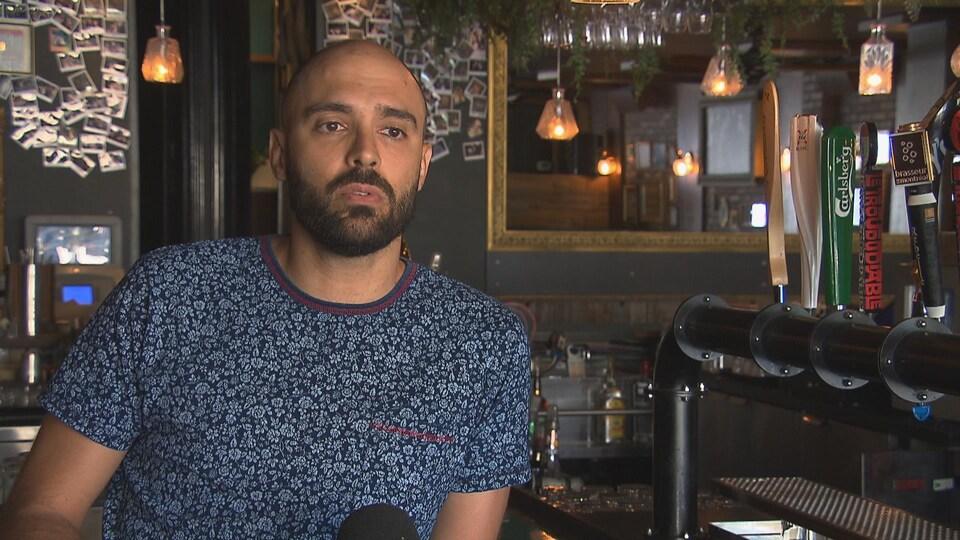 Damien Berger, copropriétaire du pub Saint-Édouard et membre actif de la Nouvelle association des bars du Québec.