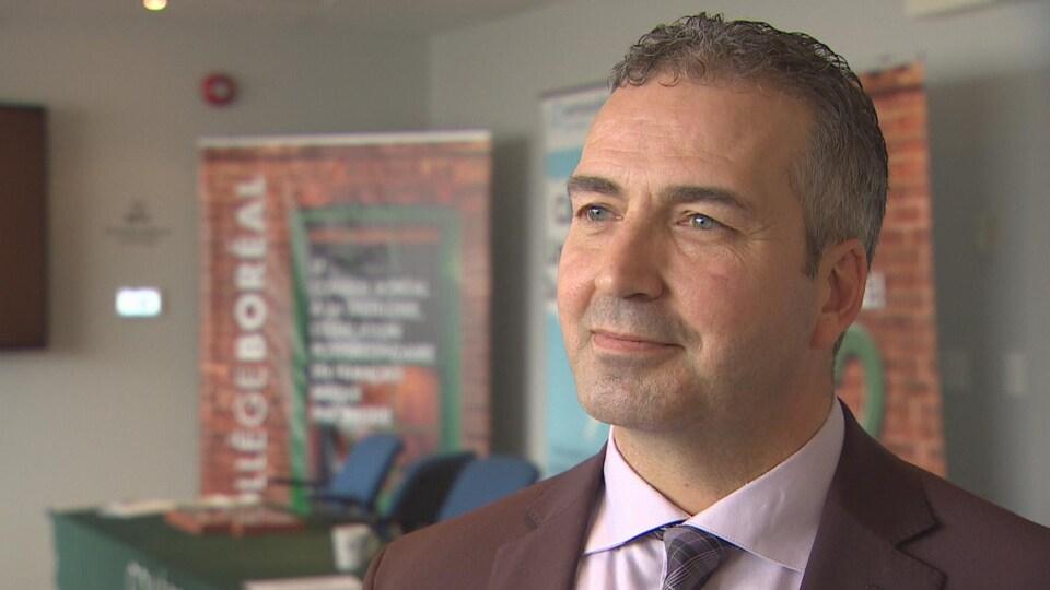 Daniel Giroux répond aux questions de Radio-Canada.