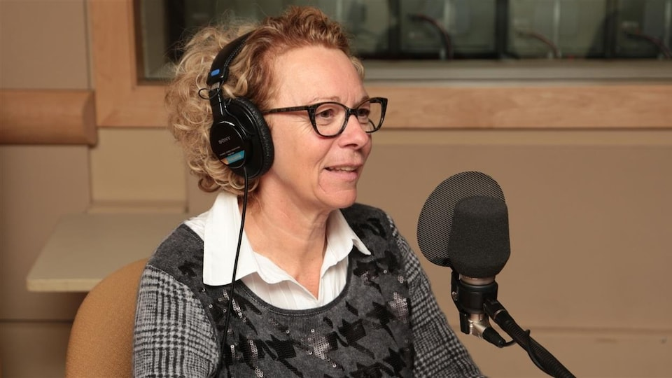 Danielle Trottier en entrevue à la radio.