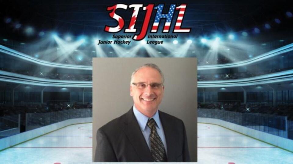 Le commissaire de la SIJHL, Darrin Nicholas,
