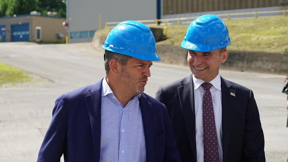 Spencer Fraser et le ministre Jean-Yves Duclos au chantier Davie