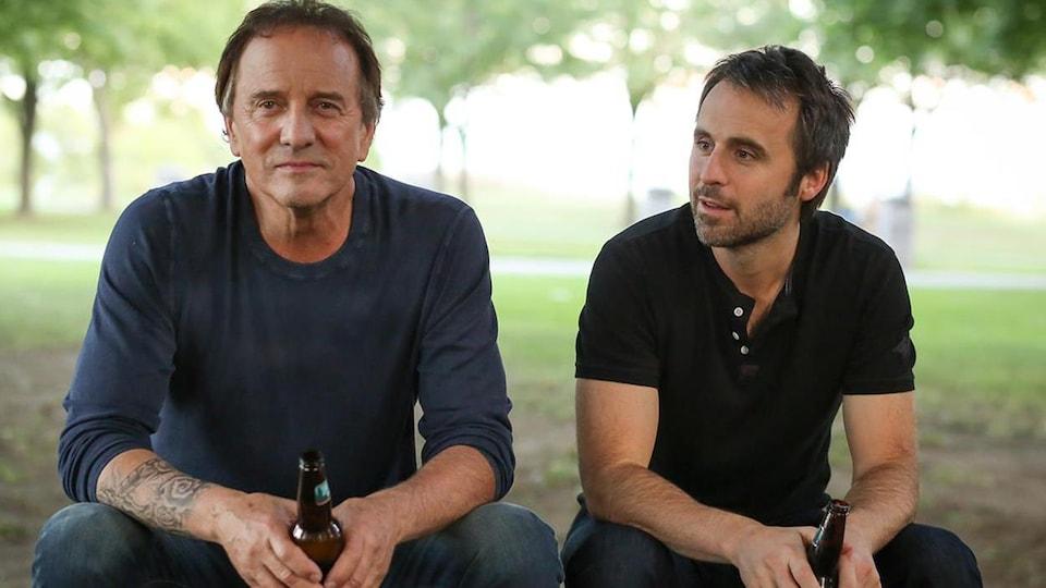 Michel Côté et Louis-José Houde dans « De père en flic 2 »