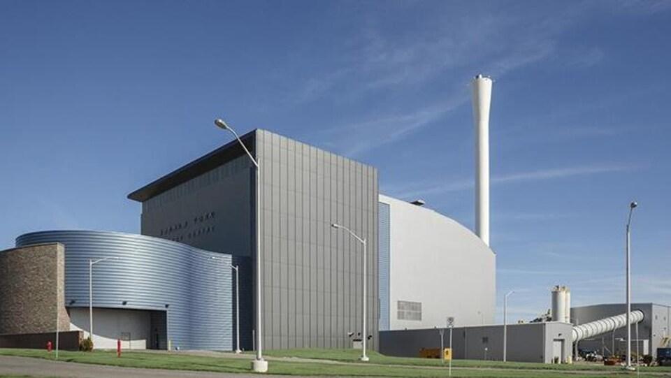 Une usine.
