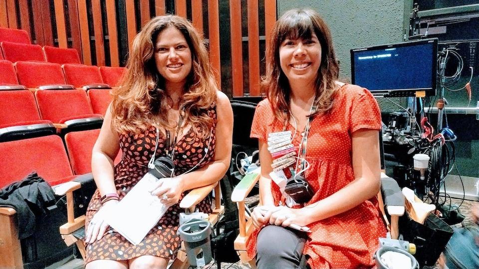 [De gauche à droite] Les deux créatrices de «Mohawk Girls» : Cynthia Knight et Tracey Deer.
