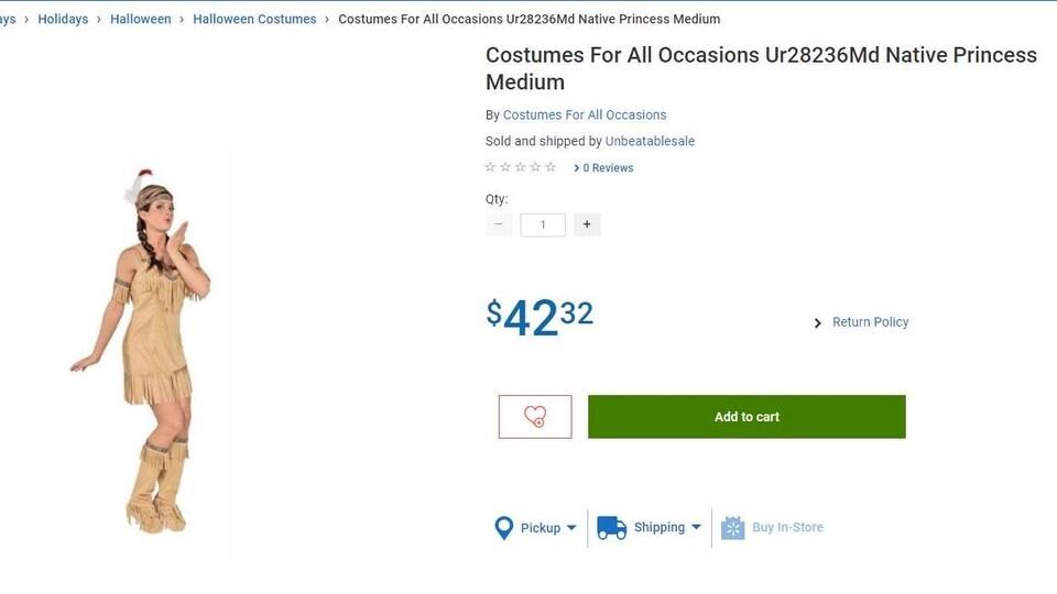Une femme porte un déguisement d'indienne vendu sur le site Internet de Walmart pour la somme de 30,25 $ et décrit comme un «déguisement pour toutes les occasions».