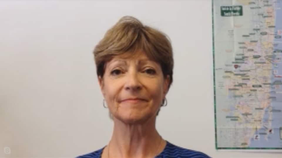 Denise Dumont accorde une entrevue via Skype à l'émission judiciaire animée par la journaliste Isabelle Richer sur ICI RDI.