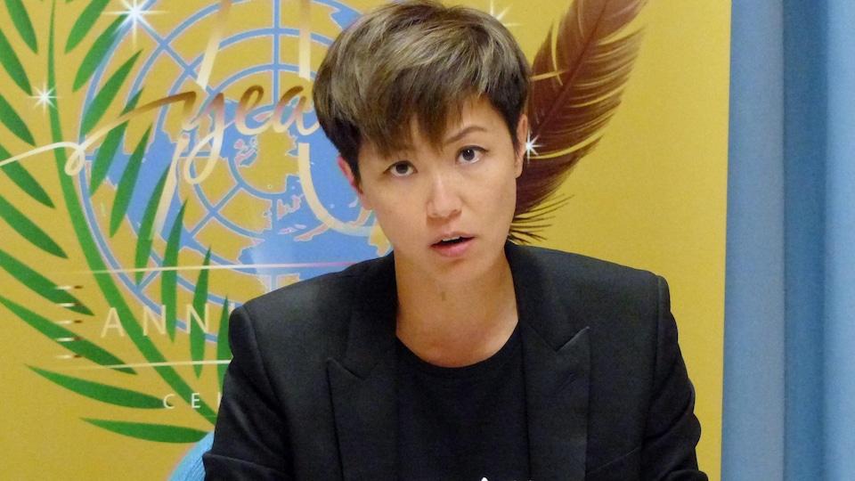 Denise Ho dans une salle de l'ONU à Genève